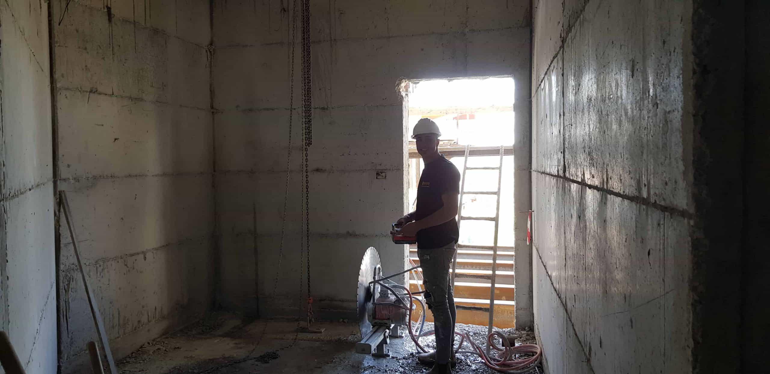 אילו בדיקות חובה יש לבצע לפני ניסור בטון?